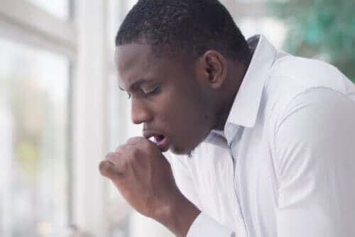 Hvad betyder hoste med grønt slim?