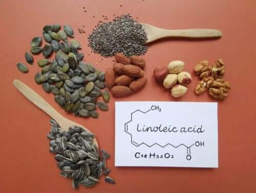Nødder, som indeholder linolsyre
