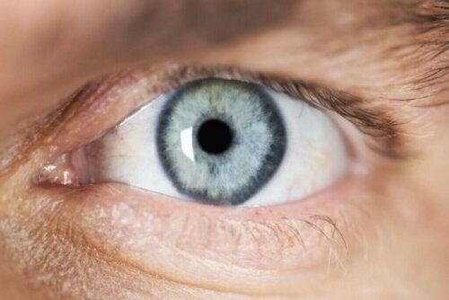 Beskrivelse og årsager til miosis (pinpoint pupiller)