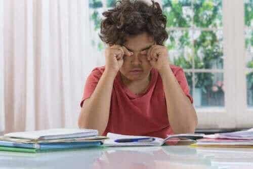 Mørke rander under øjnene på børn: Grund til bekymring?