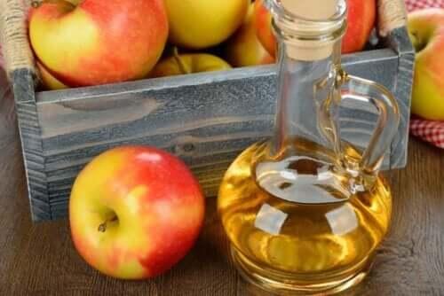 Flaske med æblecidereddike