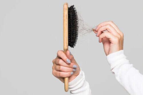 Tips til at rengøre hårbørsten