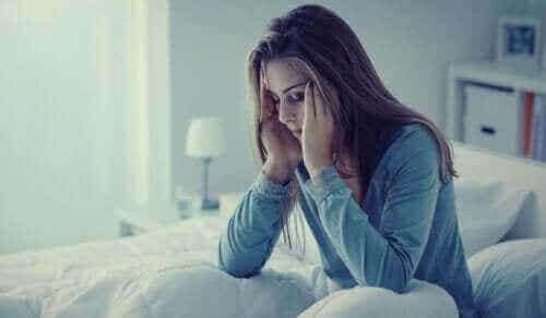 Natteangst: Symptomer, årsager og behandling