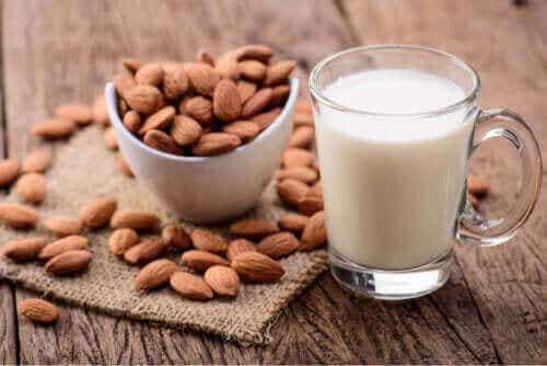 Mandelmælk til børn: Fordele og ulemper