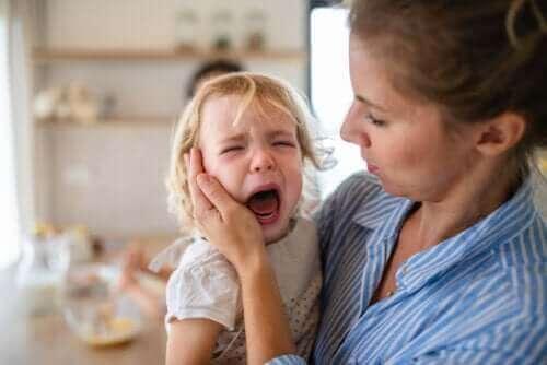 Fire tips til at forebygge og håndtere raserianfald hos børn
