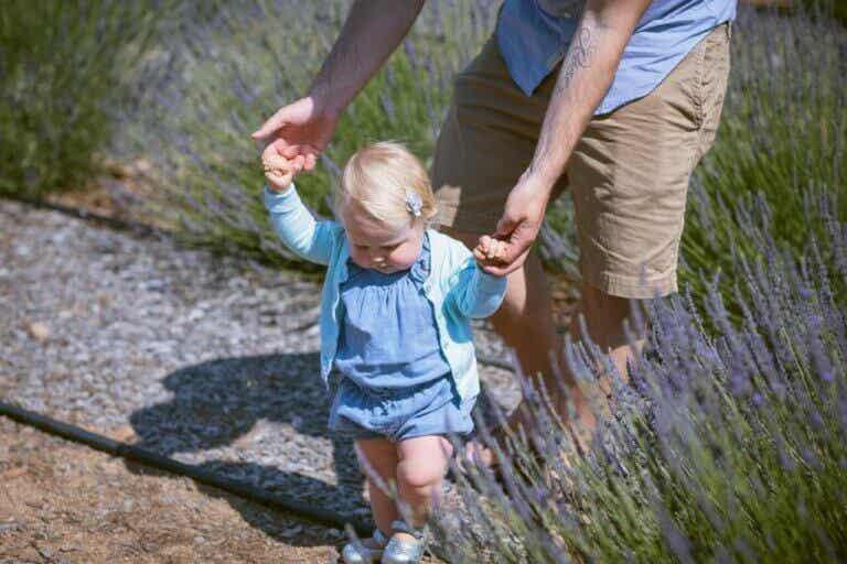 10 gode øvelser, når dit barn skal lære at gå