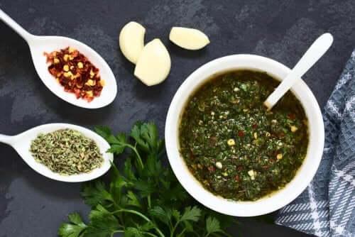 Grøn sauce til fiskeboller af kulmule
