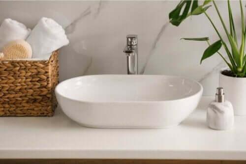 Håndvask på badeværelse