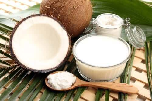Frisk kokosmælk