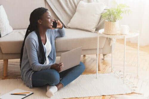 Fordele og ulemper ved at sidde på gulvet
