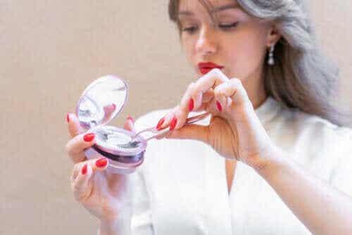 Fordele ved magnetiske øjenvipper, og hvordan man bruger dem