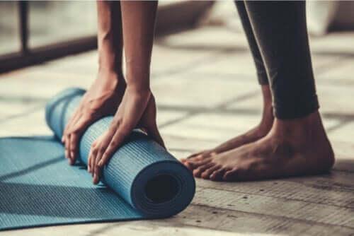 Fire enkle pilatesøvelser for begyndere