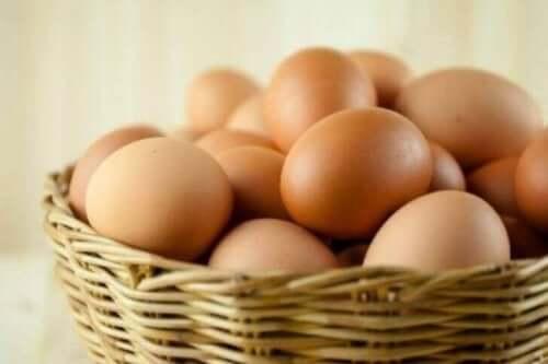 Fletkurv med æg