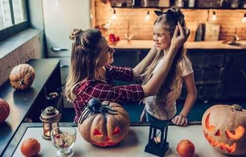 Halloween er eksempel på udendørs aktiviteter til efteråret