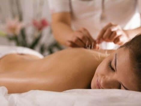 Akupunktur lader til at hjælpe nogle patienter