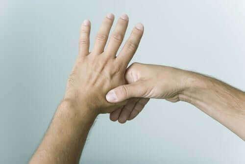 Massage af nerver i hænderne