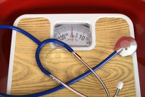 Vægt og stetoskop