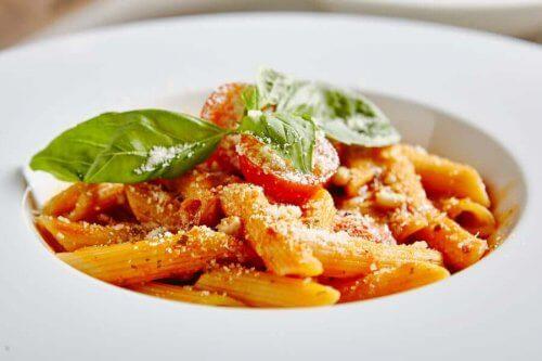 Sådan kan man lave en lækker og nem pasta med tun