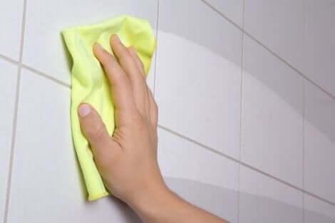 Du kan også rengøre badeværelset naturligt med grønne rengøringsmidler