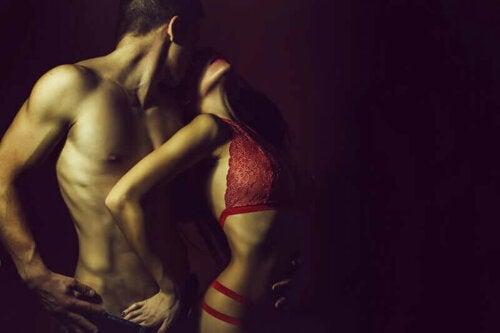 Sexet billede af par i undertøj