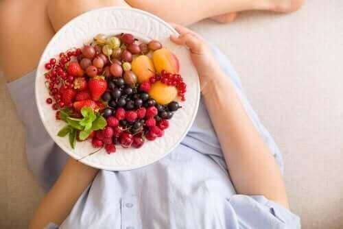 Tallerken med frugter