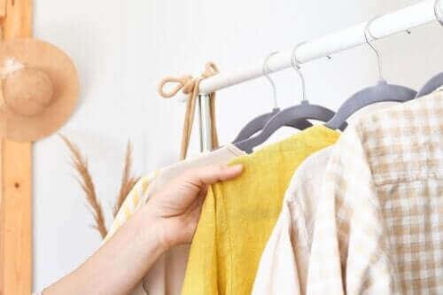 Hvad er cirkulerende tøj, og hvorfor er det moderne?