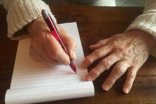 Hård hud af at skrive: Årsager og behandling