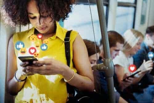 Sociale medier: Fordelene og ulemperne