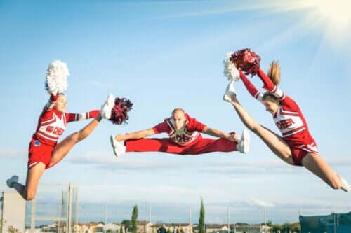 Karaktertrækkene og fordelene ved sports akrobatik
