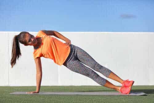 Kropsvægtstræning: Hvad er det, og hvad er fordelene?