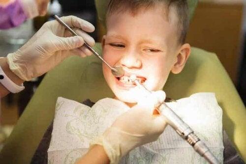 Dreng til tandlæge