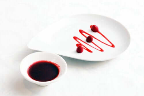 Sådan kan man lave hindbærsauce