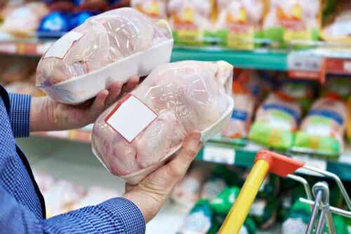 Kyllingekød i supermarked