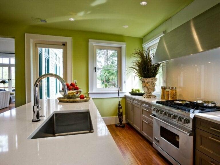 Sådan beslutter du den bedste farve til køkkenet