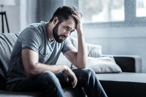 Depressiv neurose: Symptomer, årsager og behandling
