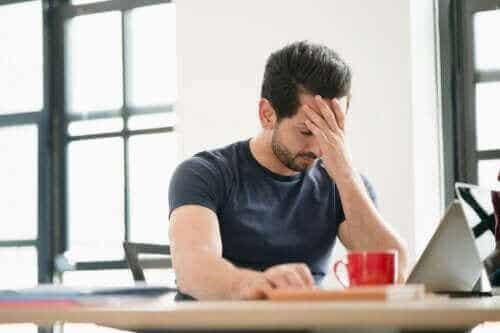 Generelt tilpasningssyndrom: Hvordan vi reagerer på stress