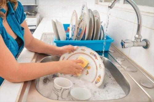 8 tips til at vaske op i hånden