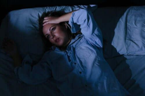 Vågen på grund af bekymringer? 6 tips til at håndtere det