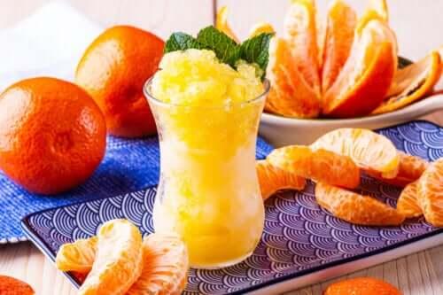 Sådan laver du mandarinsorbet
