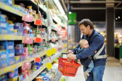 Kommerciel babymad kan være forurenet med tungmetaller: Rapporter