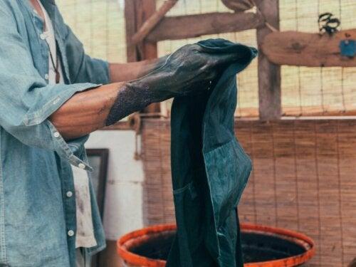 4 tips til at farve tøj derhjemme