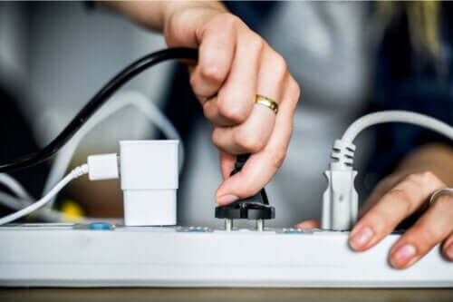 8 metoder til at skjule ledninger derhjemme