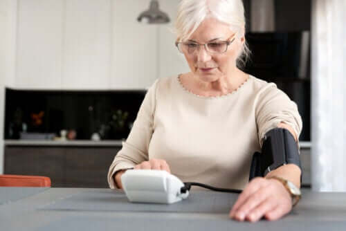 Overgangsalder og hypertension: Hvordan hænger de sammen?