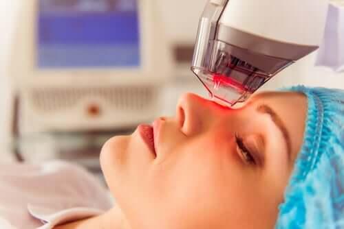Hvad er fotodynamisk terapi, og hvad skal det bruges til?