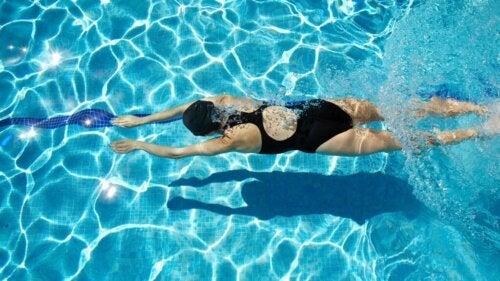 Hvad er de sundhedsmæssige fordele ved svømning?