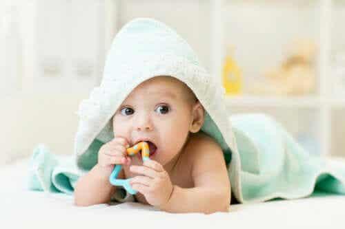 Sådan kan man lindre en babys kløende tandkød
