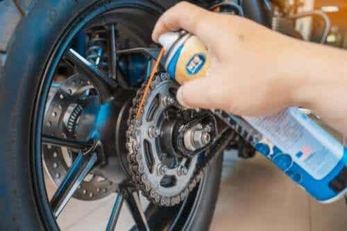 Fem tips til vedligeholdelse af motorcykler derhjemme