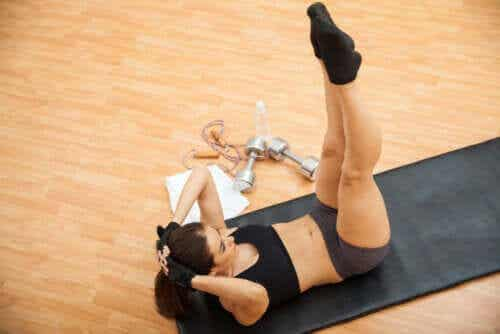 6 øvelser til at træne skrå mavemuskler