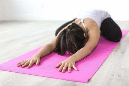 Yogaøvelser til skoliose