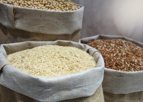 Fire typer af fødevarer med lang holdbarhed